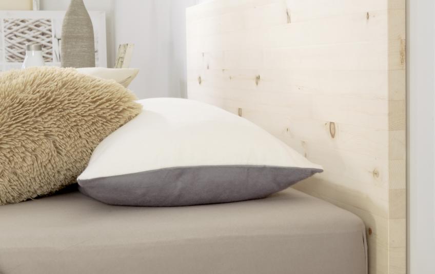 bettundraum h sler nest store hamburg bett nido zirbe massiv h sler nest. Black Bedroom Furniture Sets. Home Design Ideas